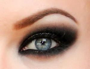 black-smokey-eyes-make-up